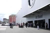 Art Basel 2011 欧美的复苏、中国的拐点,曾梵志,朱 加,李杰,安迪•沃霍尔,鸟头,齐白石,张鼎,谢南星,李钢,毕加索