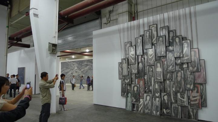 首届新疆双年展展览现场 图片来源:网络