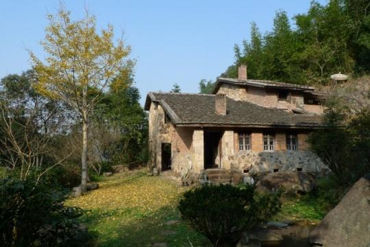 吕德安在福建家乡建造的房屋