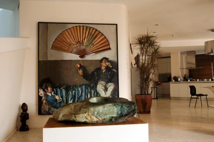 赵半狄《鹦鹉和扇子》张锐在拍卖场上拍下的作品 好的作品会说话 时代同样也可以(图片由匡时拍卖提供)