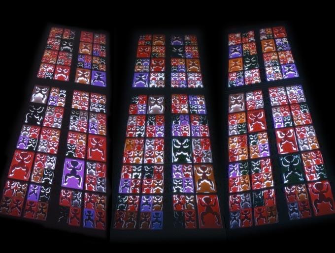 """1998年,德国柏林韶氏壁耶豪斯""""漂泊的音符展"""",作品《灵魂.窗口》,装置。"""