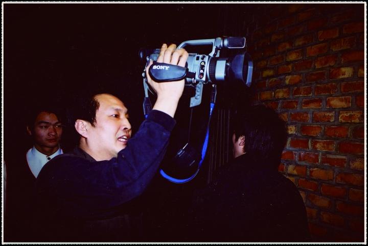 王功新当时用的拍摄机器在国内已经很先进