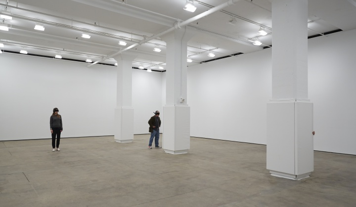 "阿布拉莫维奇现在在纽约Sean Kelly画廊的新作品""发动器"" Photography:Jason Wyche, New York. Courtesy:Sean Kelly, New York"