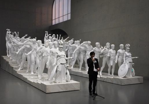 艺术家徐震于展览开幕式发言