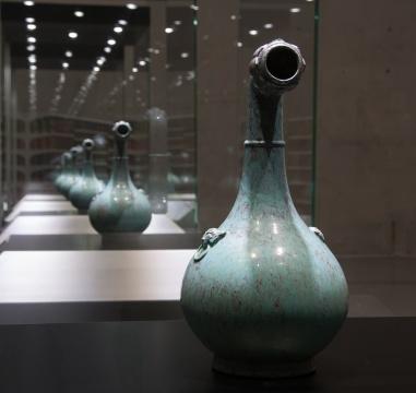 《没顶曲项瓶-清乾隆炉钧釉莲蓬瓶》 陶瓷 17 x 17 x 31 cm  2014 没顶公司出品