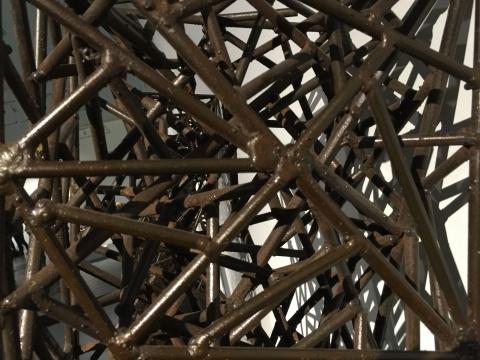 异质同构 金属、木 210×28×30cm×6 1998(局部)