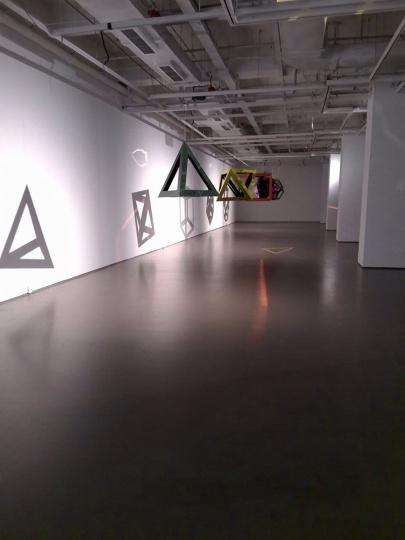 """迪特·坦茨纳在今日美术馆的个展""""消隐""""现场 图片提供:今日美术馆"""