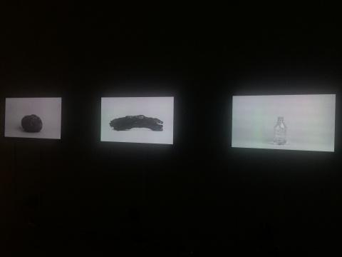 薛承林《物质访问》三频影像 3'25'' 2012