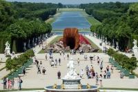 """安尼施·卡普尔在凡尔赛宫呈现的作品形似""""阴道"""" 引发争论,安尼施·卡普尔"""