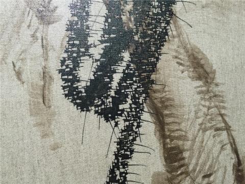 叶永青参展的两件绘画是他两年前开始的另一个系列的研究.图片