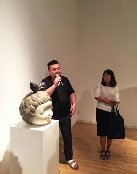 艺术家李伟、刘知音现场为大家解读作品
