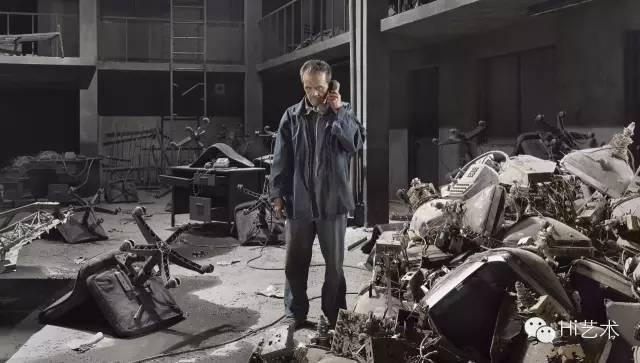 陈界仁 《朋友─瓦旦》 单频道录影 循环放映 蓝光光盘 彩色 & 黑白 有声 36'47'' 2013
