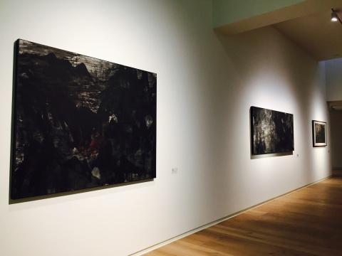 王刚 2014年纸本水墨作品《匿藏的红光》、《山阙》、《存在》