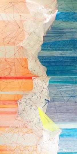 林菁菁 《曾经沧海难为水》 150 x 300 x 38 cm 布面丙烯、衣架、蕾丝、真丝丝线 2015