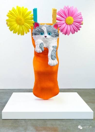 杰夫·昆斯 《Cat on a Clothesline (Orange)》 312.4x279.4x127 cm Polyethylene 1994-2001