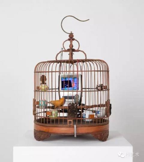白南准 《Cage in cage》 45x27x27cm 综合材料 1996