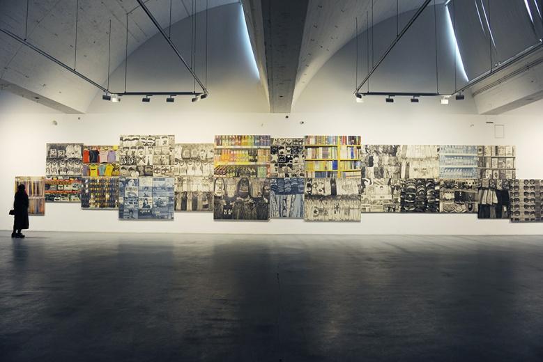 """卢昊个展""""静观大千,心期外物""""在泉空间展出,巨大的尺幅所被拼凑的,是作为日常生活视觉的片面"""