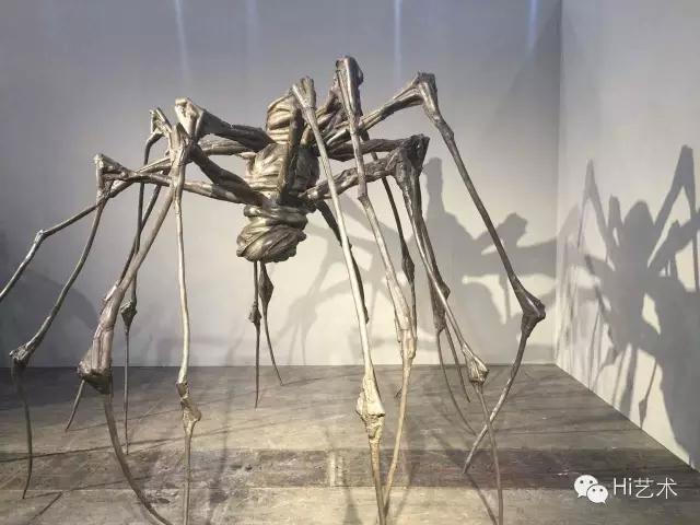 全场最贵的作品来自于路易斯·布尔乔亚《Spider Couple》 售价为1亿港币