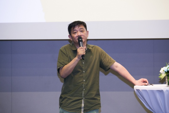 产品路演环节:艺厘米创始人CEO蒋晓春先生为现场嘉宾讲述艺厘米的故事