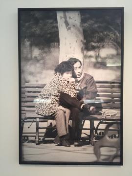 刘香成 《复兴公园里的情侣》 75×113cm 摄影 1978