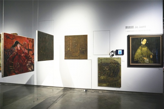 贾鹃丽的画是一次西方绘画与东方敏感的美好相逢