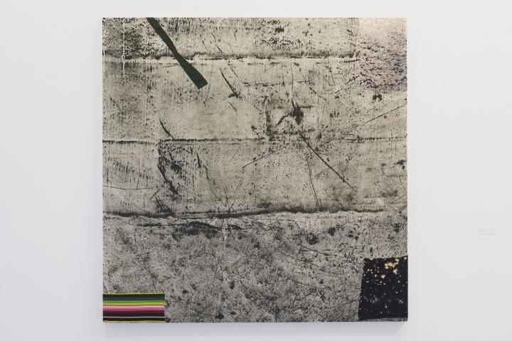 Sterling Ruby 《SHADOWZONE》182.9×182.9×5.1cm 画布上丙烯、弹性材料、加工布料 2015