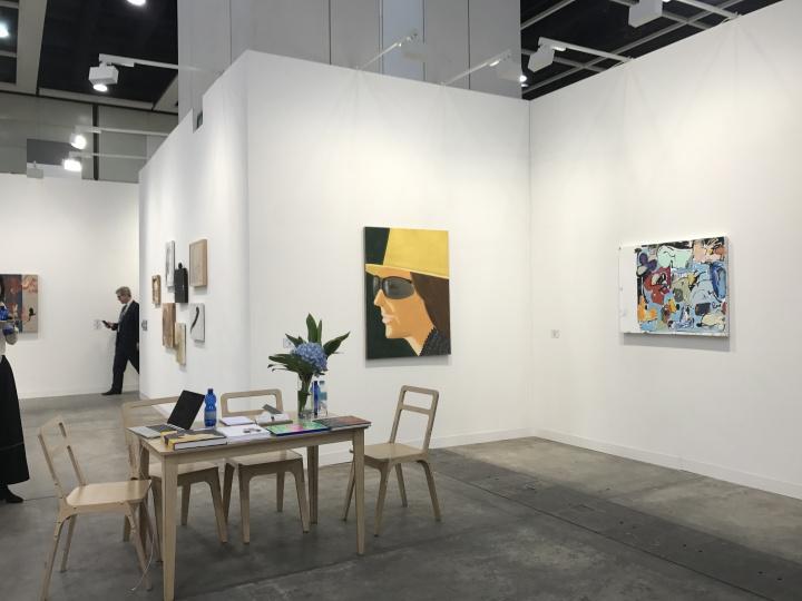 英国泰勒画廊带来的两张亚历克斯·卡茨(Alex Katz)的人物作品