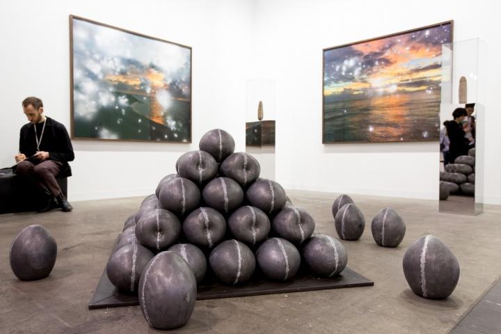 Dittrich & Schlechtriem 展出的Julian Charrière(生于1987年)个人项目