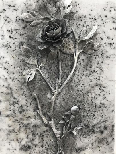 蔡国强另一件小件作品《黑牡丹》(局部)以15万美元价格售出