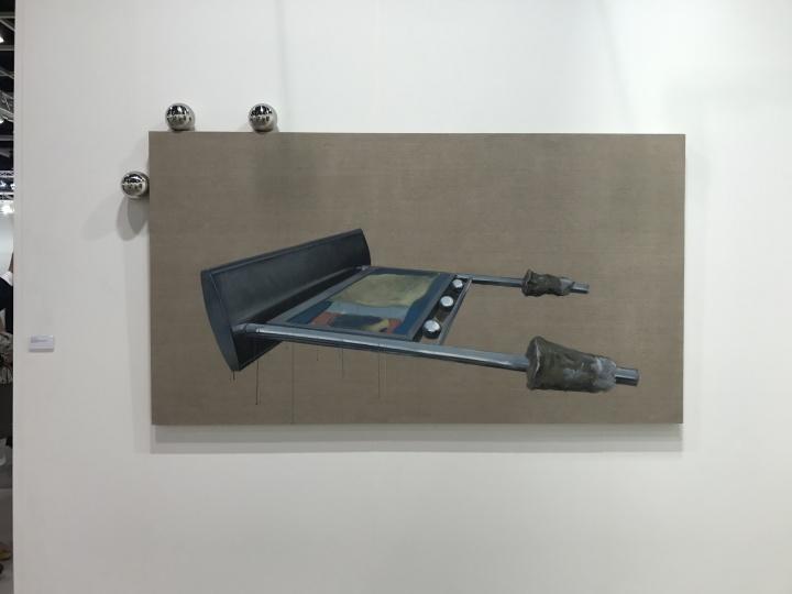 苏黎世Mai 36画廊带来的中国艺术家臧坤坤作品《Root SystemIII》在VIP当日以2.5万英镑售出