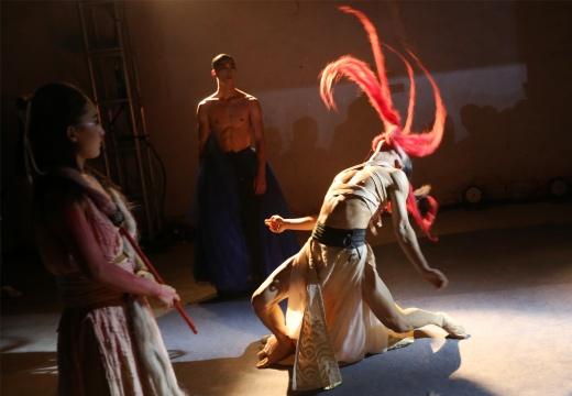 现代舞剧《三更雨·愿》现场