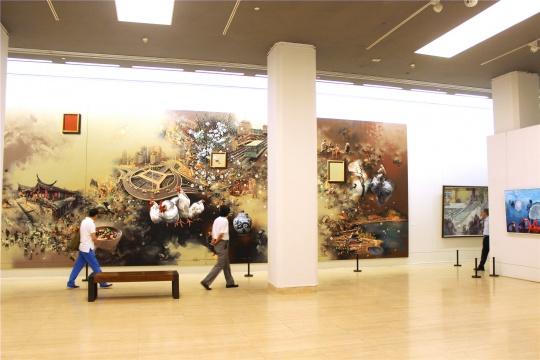 """四川美院三十年来最大型展览,""""时代质感""""亮相中国美术馆"""