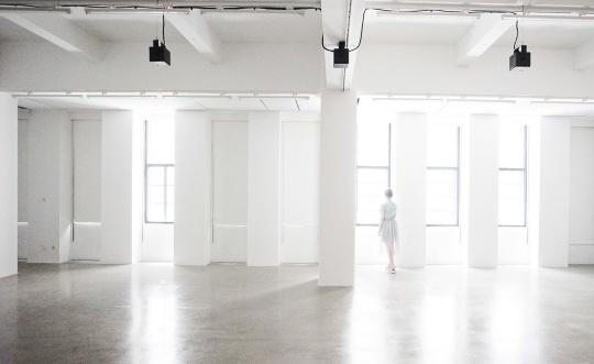 """""""菲利普·帕雷诺:共此时""""展览现场,2017,上海外滩美术馆"""