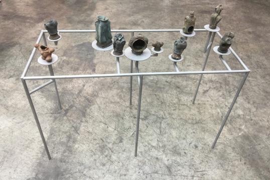 李景湖《现在考古(东莞)》尺寸可变青铜2016