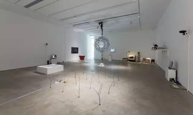 """杨画廊""""现在的未来""""展览现场"""