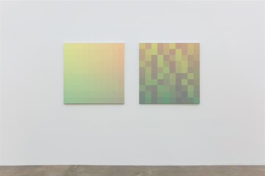 右边的作品是左边打散重组后的结果