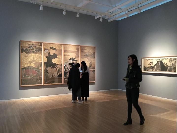 """2017年狄青个展""""缱艸集""""展览现场,狄青坦言,""""现在的水墨更能表达自己"""""""