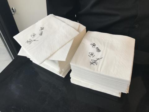 《困惑的浪漫》尺寸可变凡士林,纸巾2017