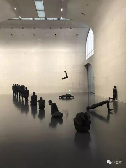 龙美术馆西岸馆安东尼·格姆雷展览现场