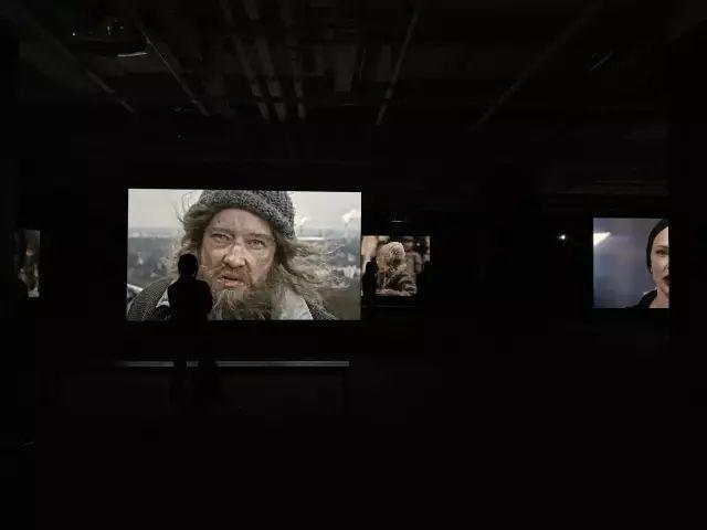 """昊美术馆(上海)开馆展""""宣言:朱利安·罗斯菲德""""展览现场"""