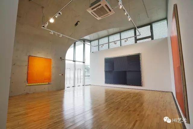 """上海hiart space """"反通俗建构-恩里科·巴赫""""个展现场"""