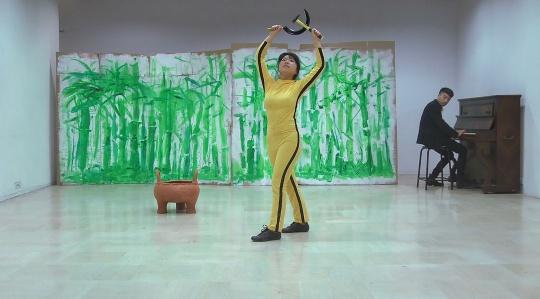 姚清妹 《跳吧! 跳吧! 布鲁斯·玲》 行为录像 2013