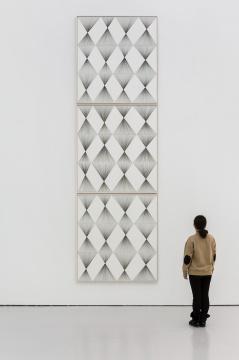 《纵向菱形迭代No.1-No.3》154.6×143 cm×3纸上颜料墨2017