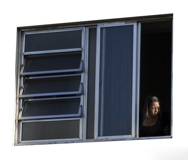 《窗的轮廓就像是相机的取景框(局部)》多种尺寸,收藏级数字微喷 2016