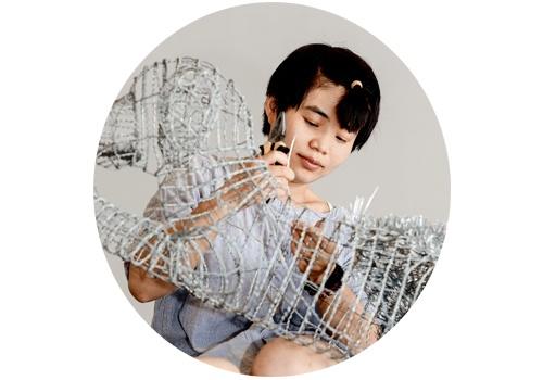 """周洁(b.1986)  2014年,周洁在北京现在画廊举办了""""36天""""个展,在铁丝床上裸睡了36天,不但被艺术圈熟知,也一度成为爆红的新闻事件。今年6月,周洁的第三次个展""""恋物者的葬礼""""再次在北京现在画廊开幕。颠覆了过往创作中对铁丝的运用,周洁在本次展览中开始尝试不同的材质,包括青铜、泡沫、铝板、现成品,以及玻璃。材质的表象之后,周洁试图思考的,除了焦虑和绝望,更多的是如何对生活、思想进行重新建构。"""