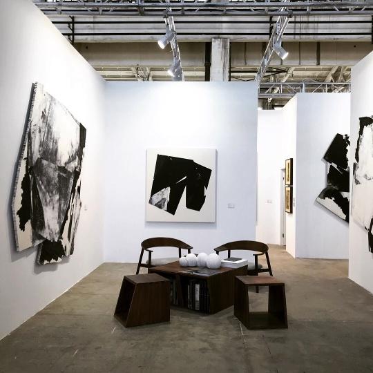 2017年墨斋参展上海西岸艺术与设计博览会,是近年销售最强劲的一次。