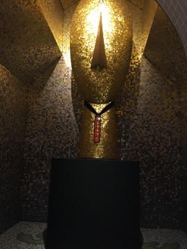 亚历山德罗·门迪尼 《娇小的大教堂》、《古老的面庞》