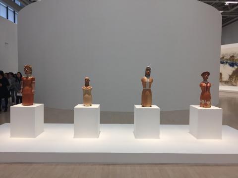 伊萨贝尔·门德斯·达·库尼亚 《无题》 80×30×25cm每件 彩绘陶瓷 1970-1989