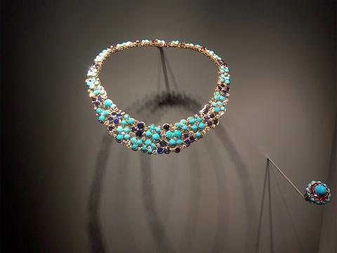 珠宝与艺术的优雅相遇,梵克雅宝典藏臻品回顾展亮相今日美术馆