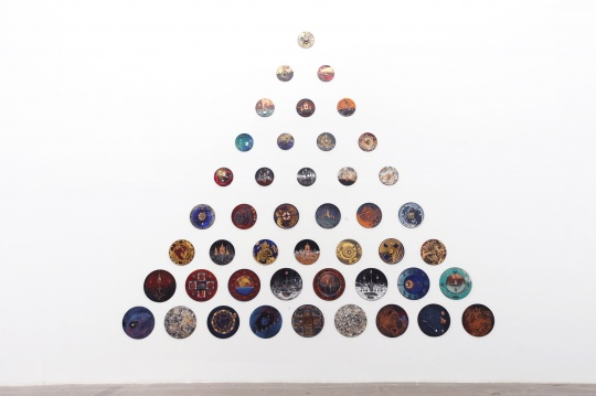 潘娜潘·尤蔓妮 《延时》 30×30cm×15、40×40cm×13、50×50cm×17 综合材料 2014,2017